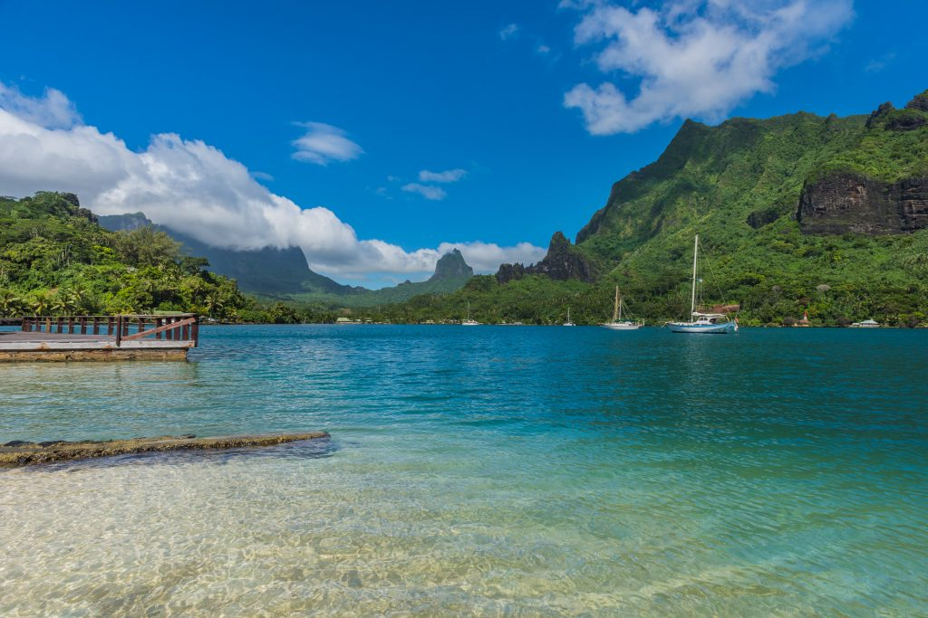 Cook's bay. Moorea